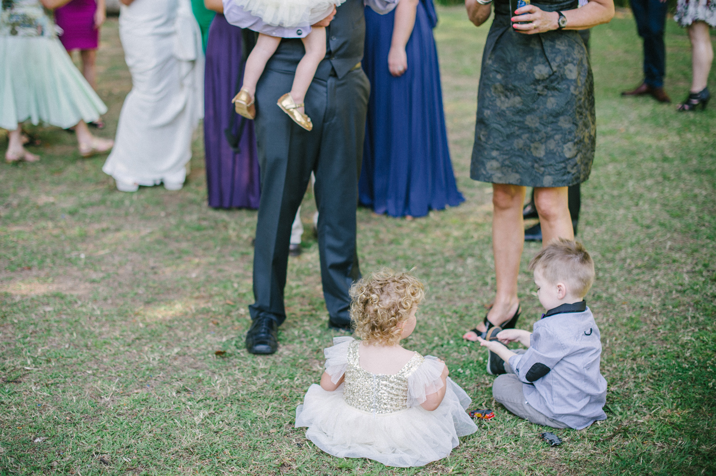 044-hannah-daniel-boomerang-farm-wedding-sophie-baker-photography