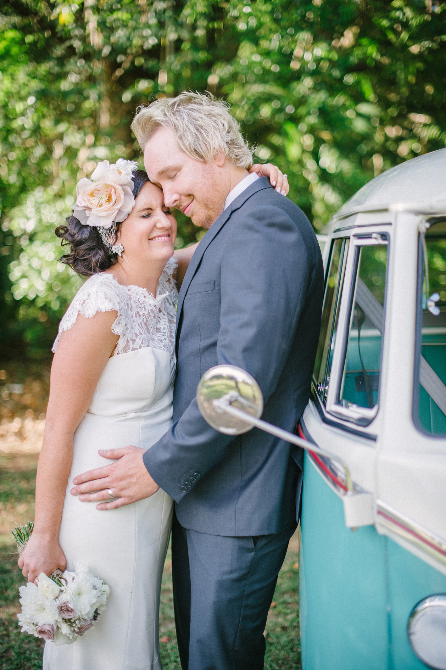 050-hannah-daniel-boomerang-farm-wedding-sophie-baker-photography
