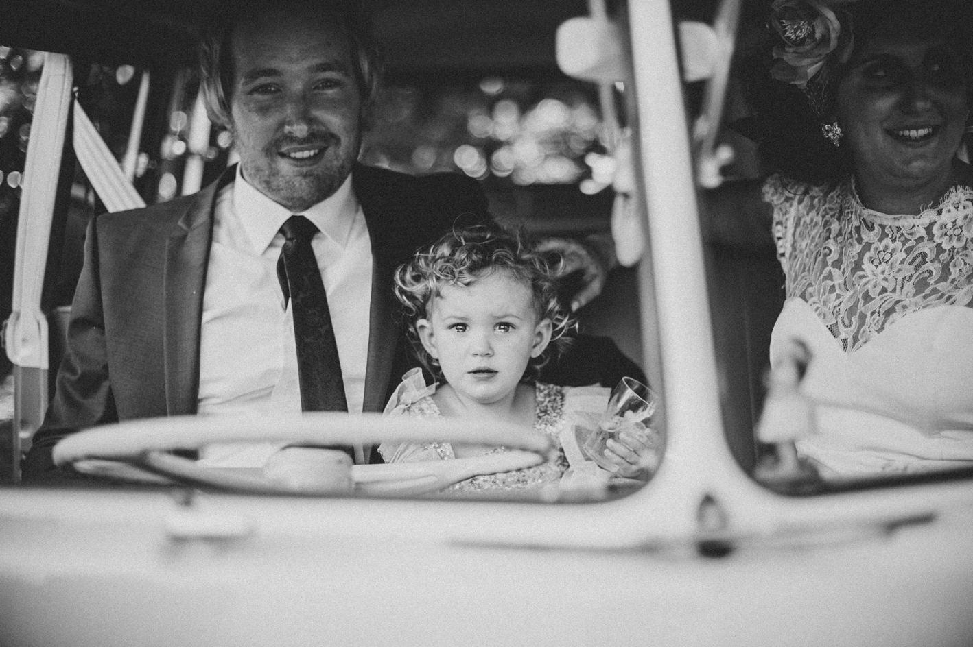 053-hannah-daniel-boomerang-farm-wedding-sophie-baker-photography