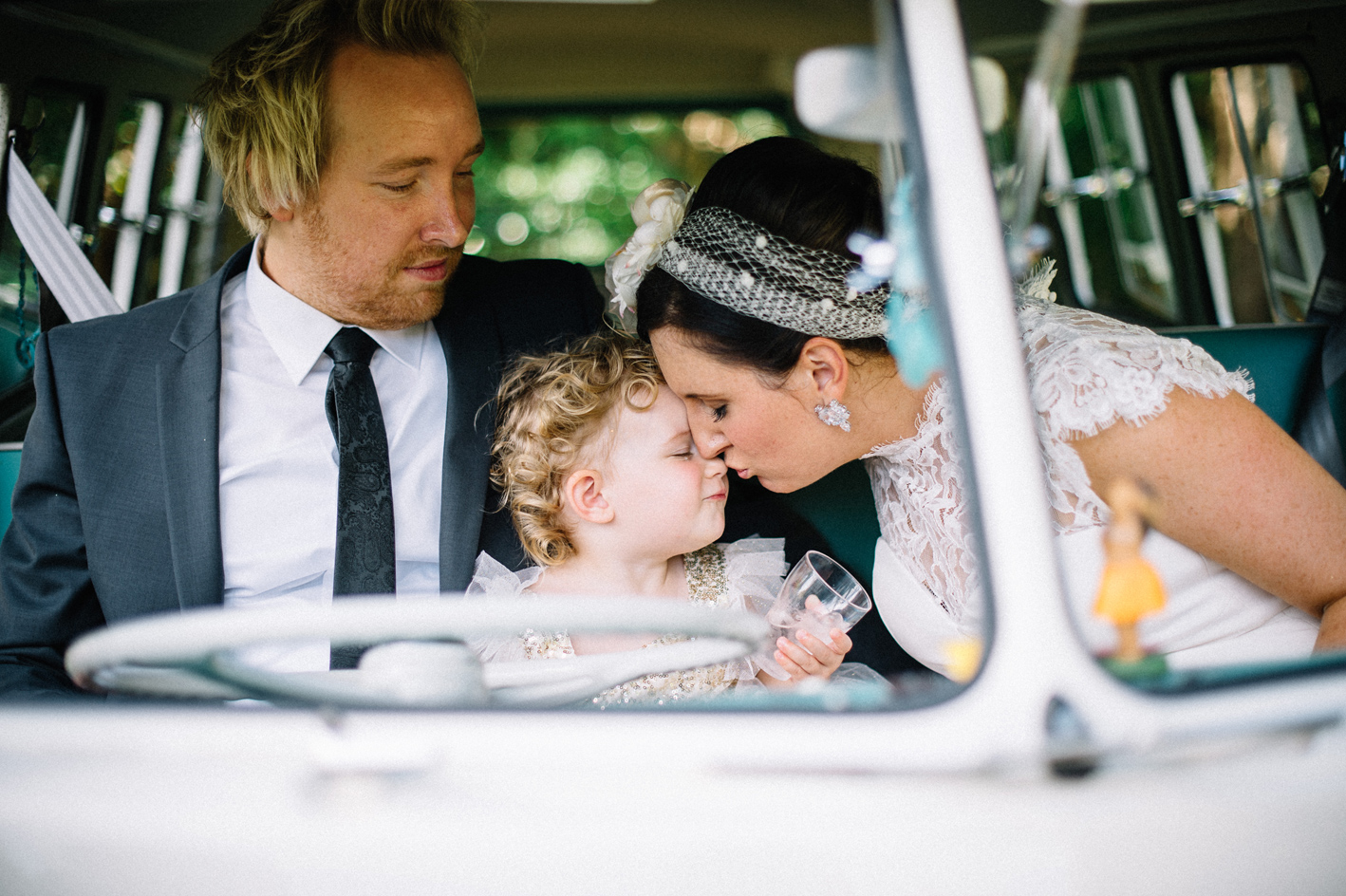 054-hannah-daniel-boomerang-farm-wedding-sophie-baker-photography