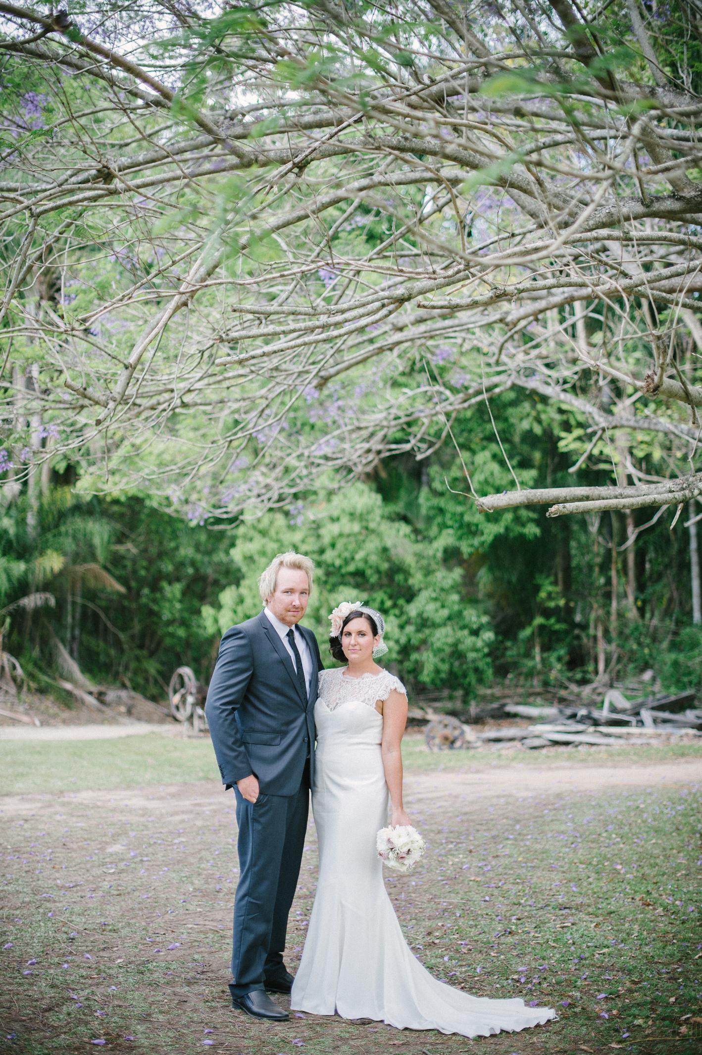 059-hannah-daniel-boomerang-farm-wedding-sophie-baker-photography