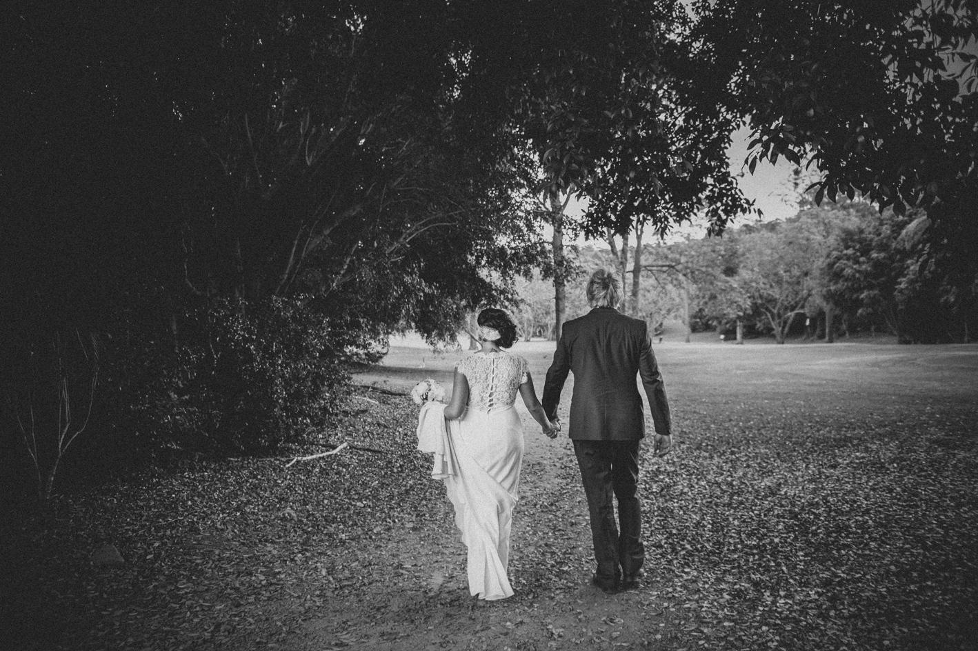 061-hannah-daniel-boomerang-farm-wedding-sophie-baker-photography