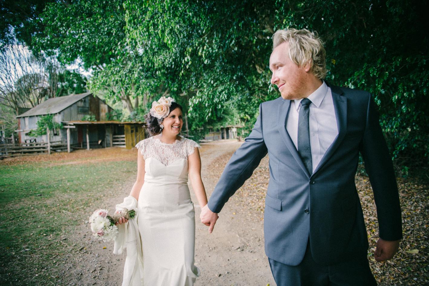 062-hannah-daniel-boomerang-farm-wedding-sophie-baker-photography