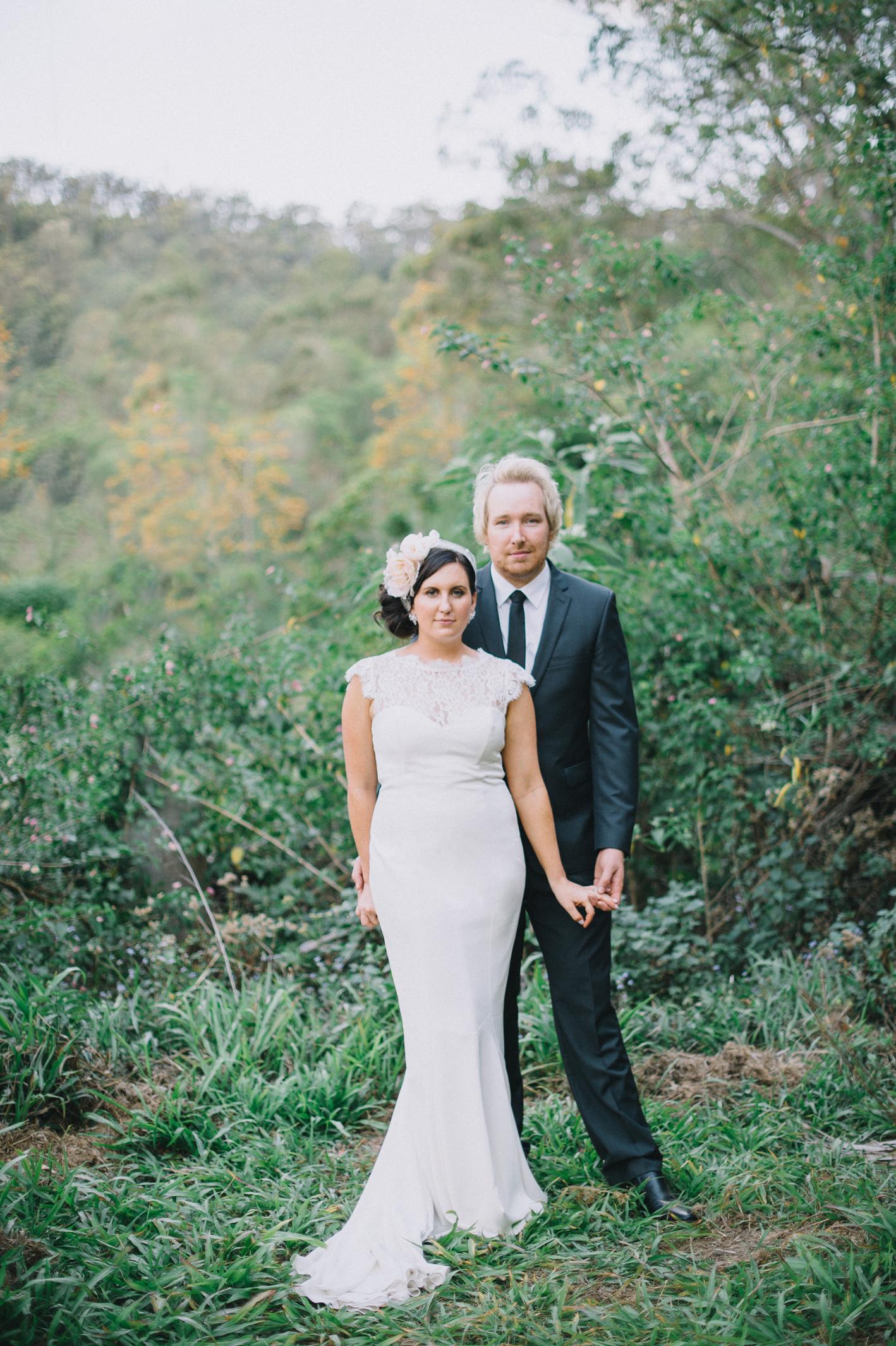 079-hannah-daniel-boomerang-farm-wedding-sophie-baker-photography