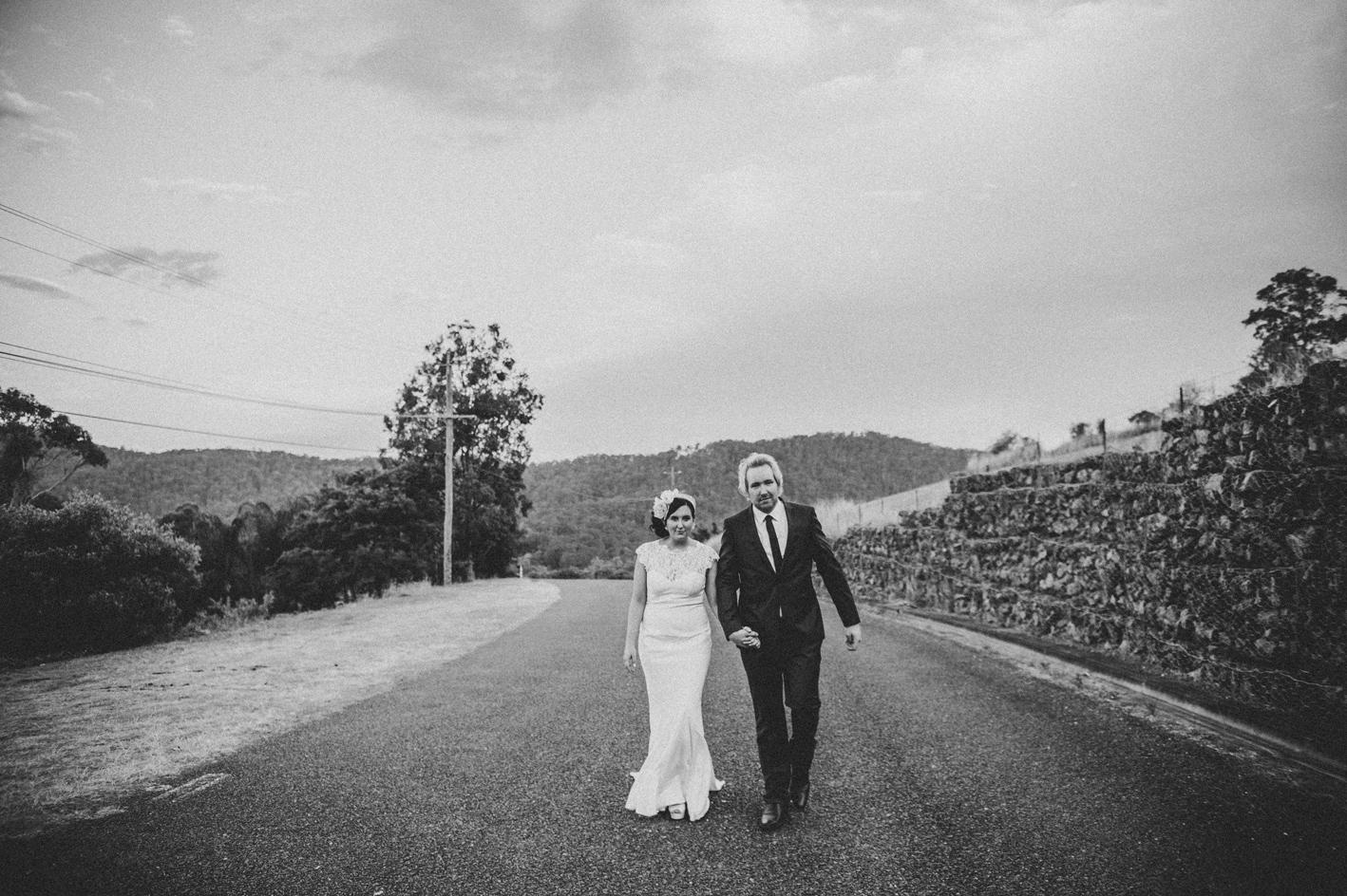 084-hannah-daniel-boomerang-farm-wedding-sophie-baker-photography