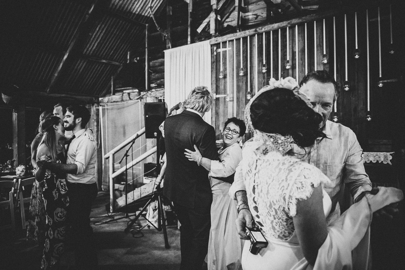 097-hannah-daniel-boomerang-farm-wedding-sophie-baker-photography