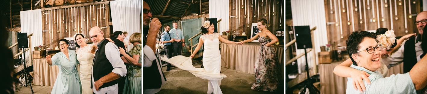 098-hannah-daniel-boomerang-farm-wedding-sophie-baker-photography