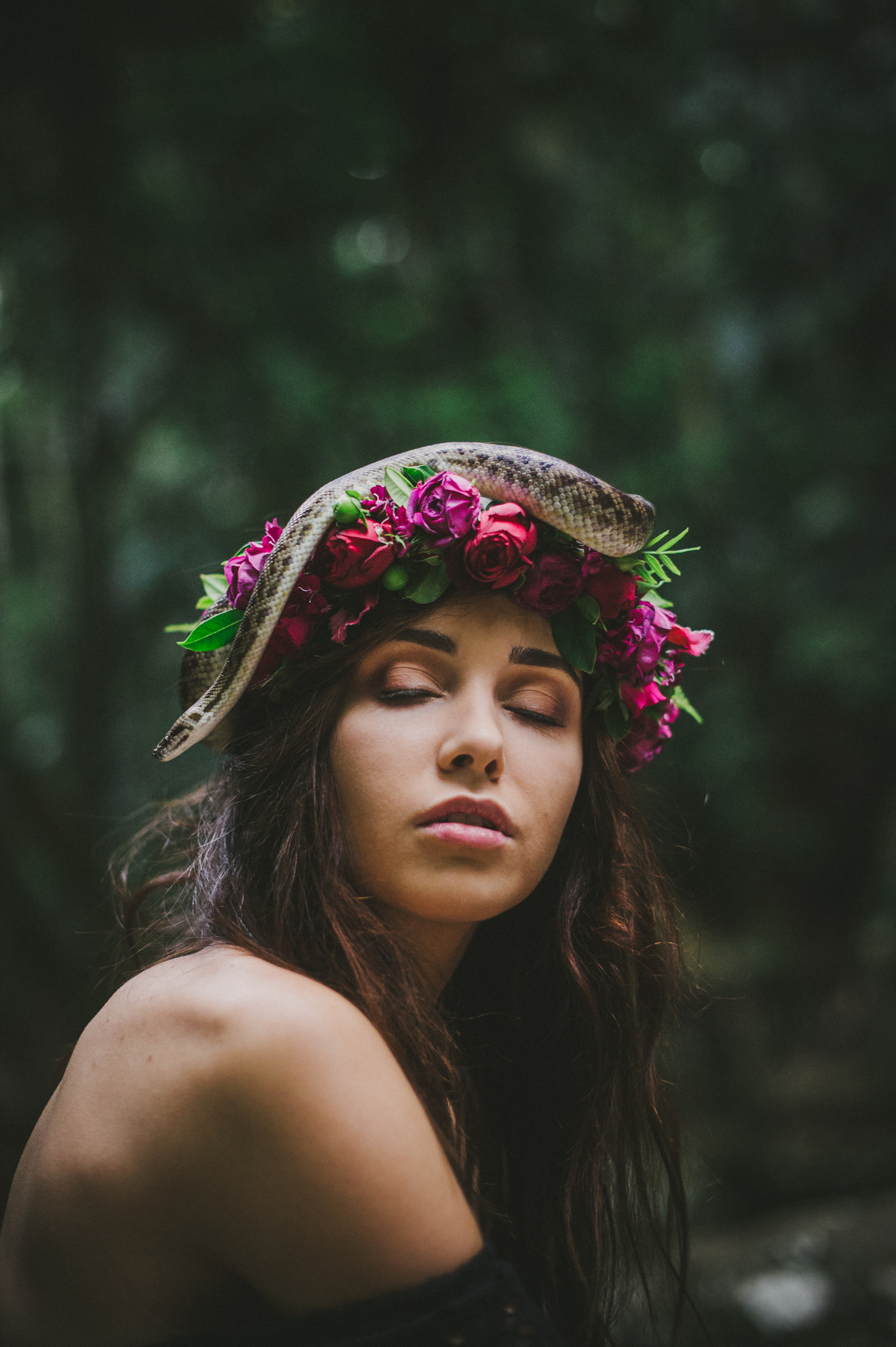 017-python-flowers_crown-of-eden_sophie-baker-photography