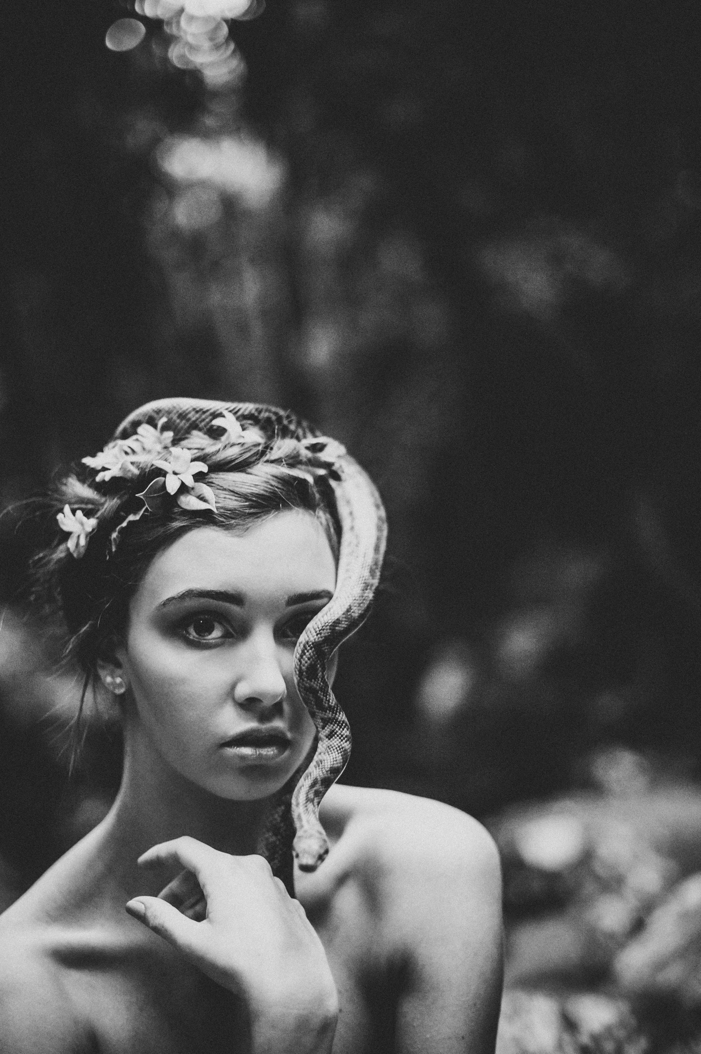 021-python-flowers_crown-of-eden_sophie-baker-photography
